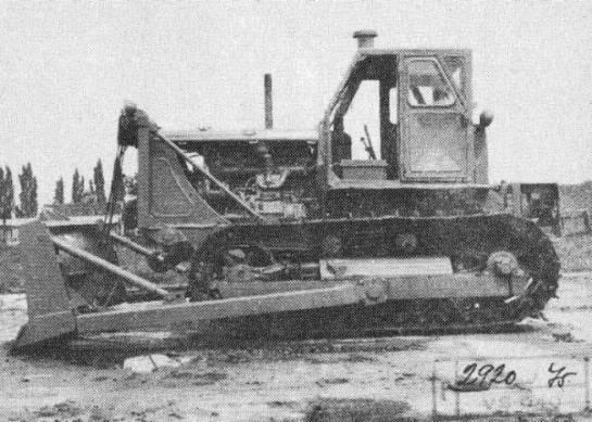 T-100 Stalinec